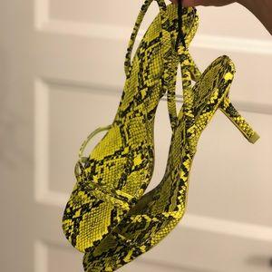 NWT Zara neon snakeskin kitten heel sz 8